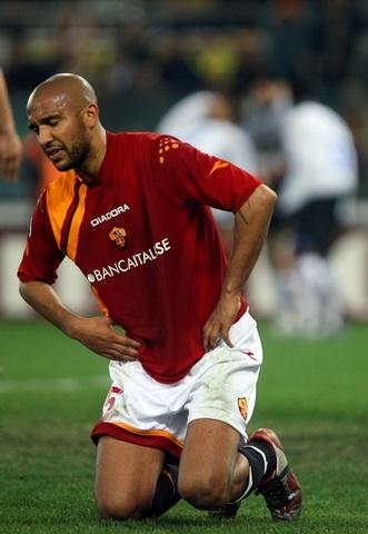 图文:意甲 罗马vs国际米兰 遗憾的罗马球员