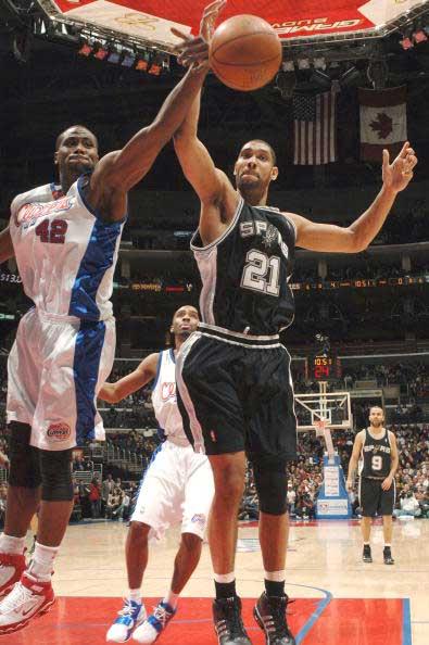NBA图:快船让马刺无功而返 邓肯这回失手了