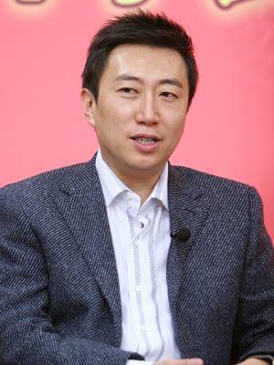 《对话》栏目主持人陈伟鸿做客搜狐