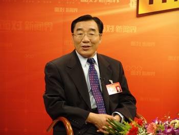 《面对新闻界》:西藏自治区代党委书记张庆黎