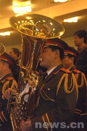 组图:军乐团在大会现场演奏