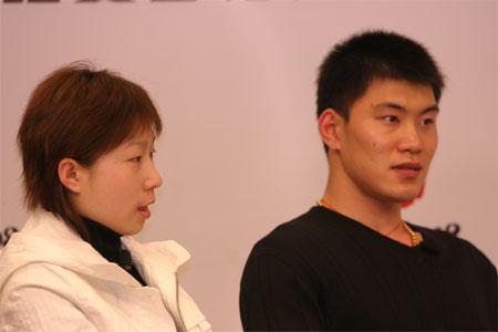 图文:张丹/张昊做客聊天 花滑小将侃侃而谈