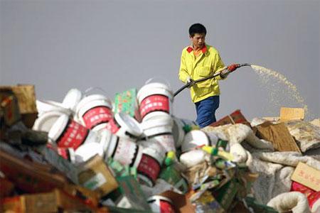 新疆十八地州销毁一千三百余万假冒商品(组图)