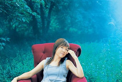 叶蓓雨天小记:在香港冷却失落的情绪再微笑