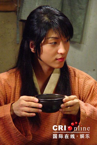 李俊基坚拒男Fans求婚 阴柔角色入型入格(图)