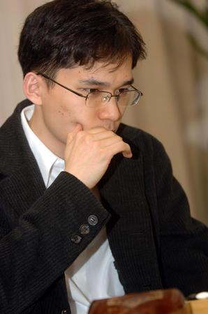 图文:中韩赛中国扳回一局 安祚永在比赛中
