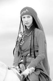 《七剑下天山》中引人注目 蔡少芬变身女飞侠