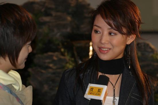 图文:体坛风云人物颁奖 潘晓婷接受搜狐专访1