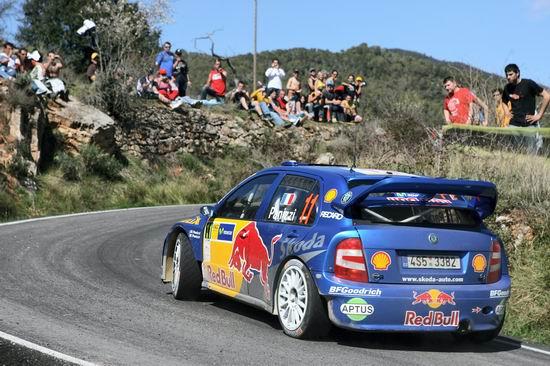 组图:WRC西班牙站 沙砾路面严重考验赛车轮胎