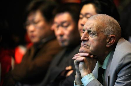 图文:中国公开赛决赛 观众在观看比赛