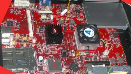 638针 AMD Socket S1主板图片曝光
