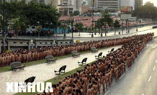 WWW_XIUNV522_COM_赤裸的都市 委内瑞拉上演千人裸体秀
