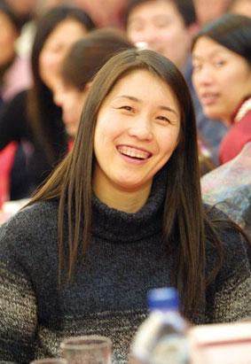 读者都将获得孙玥为您准备的精美礼品——孙玥的签名排球或高清图片