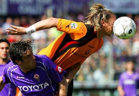 图文:佛罗伦萨vs罗马 梅克斯压倒托尼