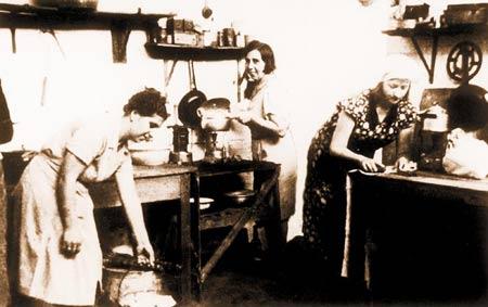 八旬夫妇忆二战犹太难民上海避难生活