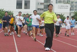 奥运竞走冠军王丽萍考虑退役 愿来港担任教练