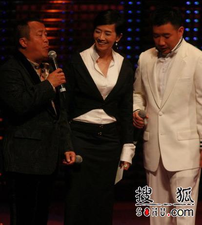 第25届香港金像奖:三主持誓将搞笑进行到底