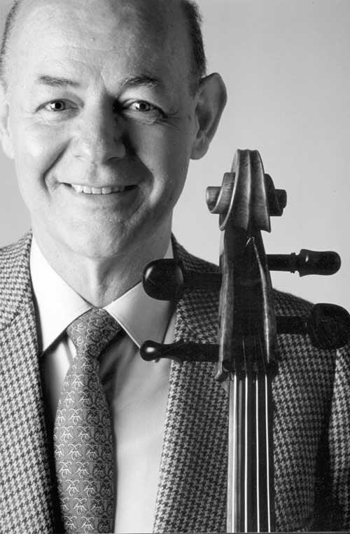 图文:参与演出之大提琴家卡洛斯-普列埃多