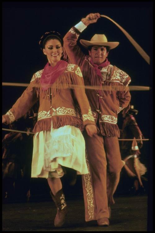 图文:参与演出之墨西哥国家歌舞团