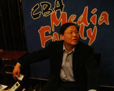 李元伟:向众媒体道辛苦 请大家多给大郅些空间