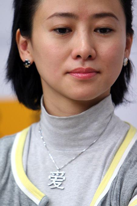 翁红谈及离婚泪洒搜狐 要依靠舞台剧再创辉煌