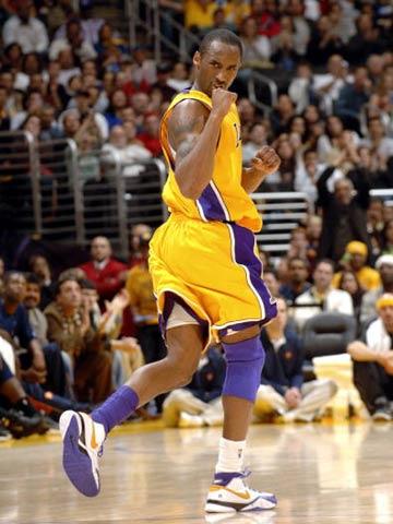 NBA图:湖人击败勇士取两连胜 科比激情四射