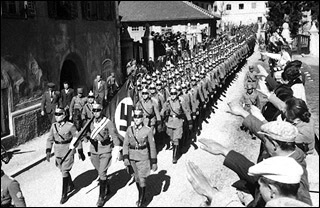 奥地利总统承认民众曾夹道欢迎纳粹