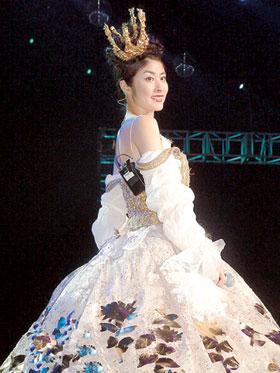 陈慧琳公主造型亮相演唱会 全场观众惊艳(图)