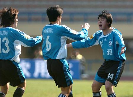 图文:中超-实德胜武汉光谷 胡兆军庆祝进球