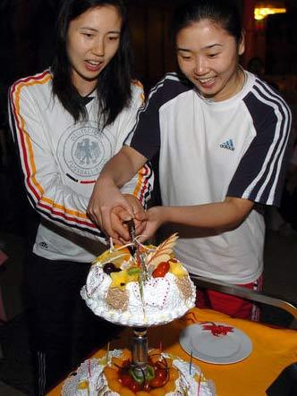女排开博漳州庆祝 我歌我唱为周苏红张娜庆生日