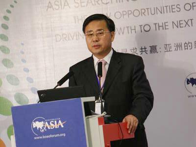 主持人:中国建设银行董事长郭树清