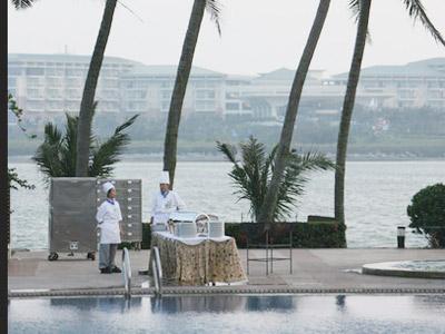 图:博鳌之夜:博鳌亚洲论坛慈善晚宴——厨师在准备晚宴