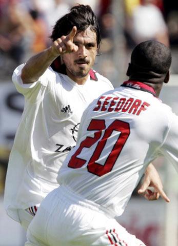 图文:梅西纳vsAC米兰 加图索找到了进球的钥匙