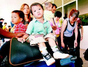 中国侨民撤离所罗门群岛(组图)