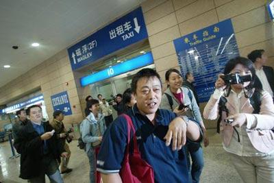 中国政府已从所罗门群岛撤出249名华侨华人(图)