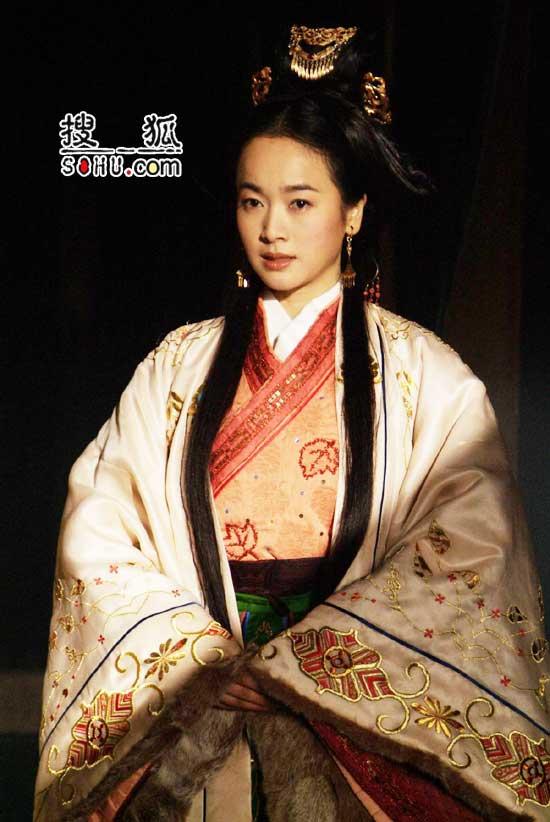 《卧薪尝胆》主要演员:左小青饰雅鱼