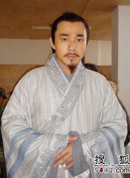 《卧薪尝胆》主要演员:贾一平饰范蠡