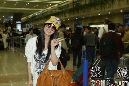 蔡依林飞抵上海出席MUSIC RADIO 囊括三项大奖
