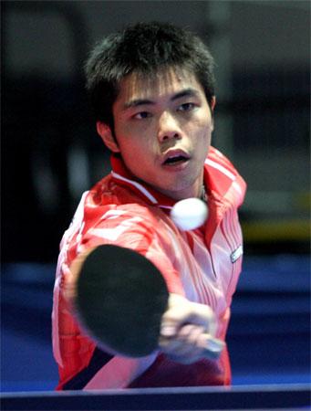 图文:世乒赛男团中国台北获胜 庄智渊在比赛中