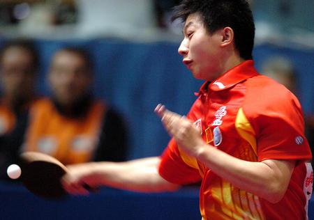 图文:中国次战3-0战胜荷兰 马龙在比赛中