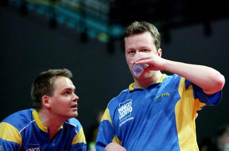 图文:男团瑞典3-0丹麦 瓦尔德内尔接受指导