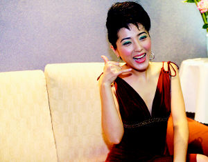 《理发师》首映礼引轰动 影迷诈晕求陈坤签名