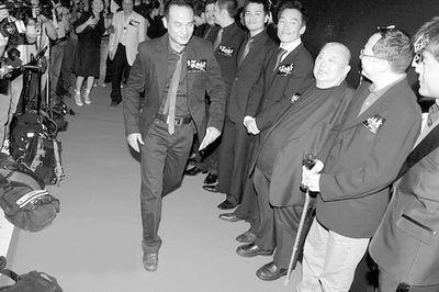 《以和为贵》首映 杜琪峰再拍《黑社会3》