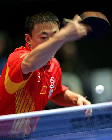 图文:中国男团3-0瑞典 马琳球路多变