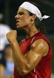 不受年轻姑娘骚扰 纳达尔在巴萨网球公开赛获胜