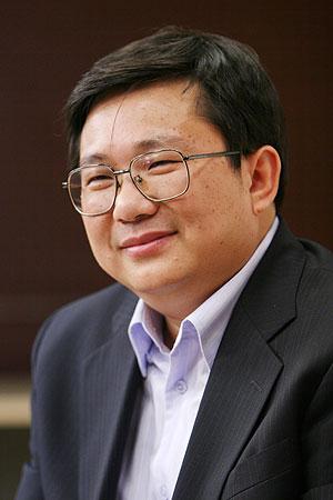 图文:央视网络传播中心主任王文斌做客搜狐