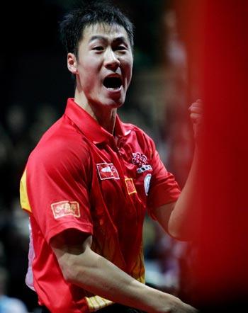 图文:中国3-1胜德国 王励勤显示王者风范