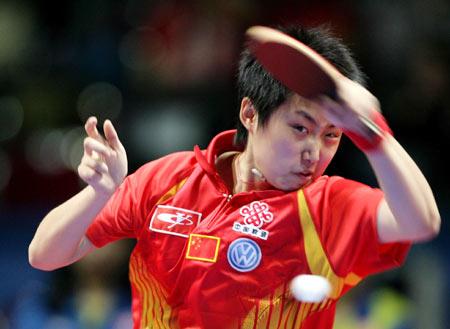 图文:女团中国VS中国香港 郭跃正在迎战对手