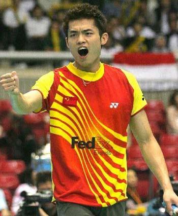 图文:中国进决赛 林丹胜陶菲克握拳庆祝