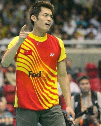 图文:中国战胜印尼进决赛 林丹:我就是第一!